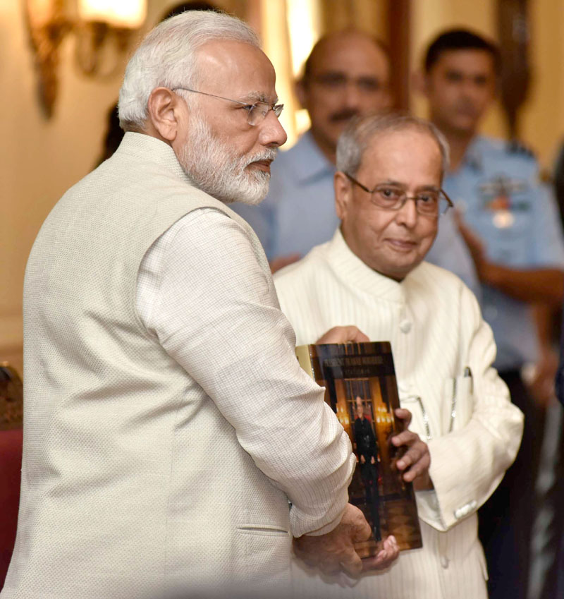 President Pranab Mukherjee guided me like a father figure: PM Narendra Modi